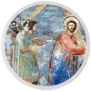 Giotto: Road To Calvary Round Beach Towel