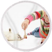 Girl Playing With Cat Round Beach Towel