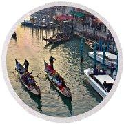 Gondolieri At Grand Canal. Venice. Italy Round Beach Towel