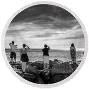 Goodbye Miss Lonely Hearts Round Beach Towel