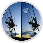 Goose At Dusk - Cross Your Eyes And Focus On The Middle Image Round Beach Towel