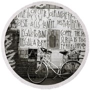 Graffiti And Bicycle Round Beach Towel