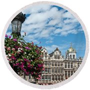 Grand Place Flowers Round Beach Towel