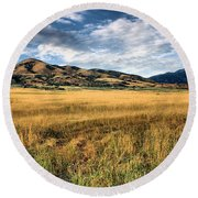 Grassy Plains And Ancient Dunes Round Beach Towel