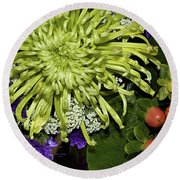Green Spider Mum Round Beach Towel