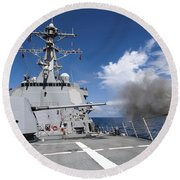 Guided-missile Destroyer Uss Pinckney Round Beach Towel