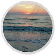 Gulls At Sunset On The Gulf Round Beach Towel