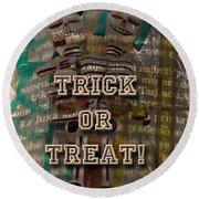 Halloween Trick Or Treat Skeleton Greeting Card Round Beach Towel
