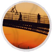Hapenny Bridge, Dublin, Co Dublin Round Beach Towel