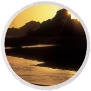 Harris Beach Sunset Round Beach Towel