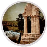 Head At Temple Of Castor And Pollux Round Beach Towel
