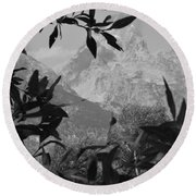 Hidden View Bw Round Beach Towel
