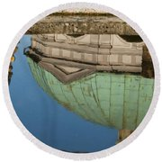 Hofgarten Fountain Round Beach Towel