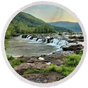 Hole In The New River Round Beach Towel
