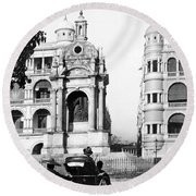 Hong Kong - Monument To Queen Victoria - C 1906 Round Beach Towel