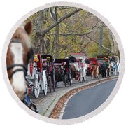 Horse-drawn Carriages Round Beach Towel