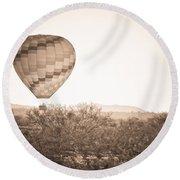 Hot Air Balloon On The Arizona Sonoran Desert In Bw  Round Beach Towel