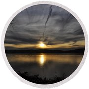 Hudson River Sunset Round Beach Towel