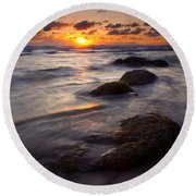 Hug Point Tides Round Beach Towel
