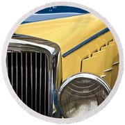 Hupmobile Grille Round Beach Towel