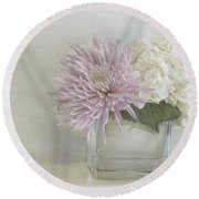 Hydrangea And Mum Round Beach Towel