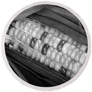 Indian Corn Black And White Round Beach Towel