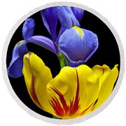 Iris And Tulip Round Beach Towel