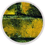 Ivy And Old Wall Round Beach Towel