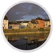 Johns Quay & River Nore, Kilkenny City Round Beach Towel