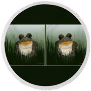 King Frog - Gently Cross Your Eyes And Focus On The Middle Image Round Beach Towel