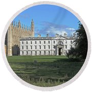 Kings College Chapel And The Gibbs Building Round Beach Towel