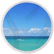 Kitesurfing In Kauai Round Beach Towel
