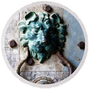 Knocker From Leeds Castle Round Beach Towel