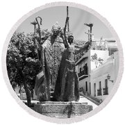 La Rogativa Sculpture Old San Juan Puerto Rico Black And White Round Beach Towel by Shawn O'Brien