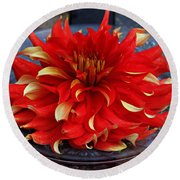 Lady In Red II Round Beach Towel