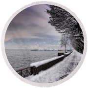 Lake Front In Winter Round Beach Towel