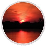 Lake Wingra Sunrise Round Beach Towel