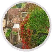 Lane And Ivy In St Cirq Lapopie France Round Beach Towel