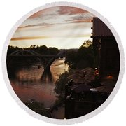 Last Light Over The Rogue Round Beach Towel