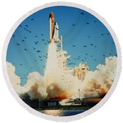 Launch Of Space Shuttle Challenger 51-l Round Beach Towel