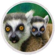 Lemurs Round Beach Towel