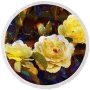 Les Roses Sauvages Round Beach Towel