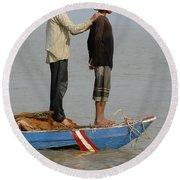 Life On Lake Tonle Sap 4 Round Beach Towel