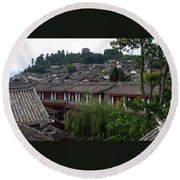 Lijiang Rooftops Round Beach Towel