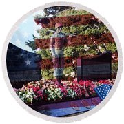 Lone Soldier Memorial Round Beach Towel