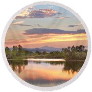 Longs Peak Evening Sunset View Round Beach Towel