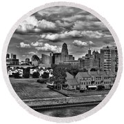 Looking Downtown From The Erie Basin Marina Round Beach Towel