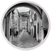 Looking Through Graach Gate Round Beach Towel