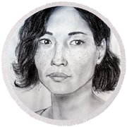Lucy Liu Portrait Round Beach Towel
