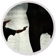 Mahut With Elephant Round Beach Towel